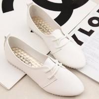 Giày Oxford nữ mũi nhọn dây buộc