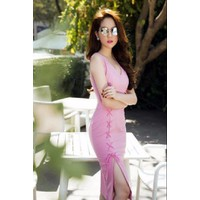 Đầm body hồng xẻ đùi Ngọc Trinh D489