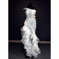 Váy cưới vạt xéo