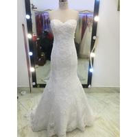 áo cưới bó cá đuôi dài chân ren giá mềm,ren đơn giản