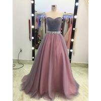 áo cưới cúp ngực xám hồng hang co sẵn,giam 200k khi mua áo