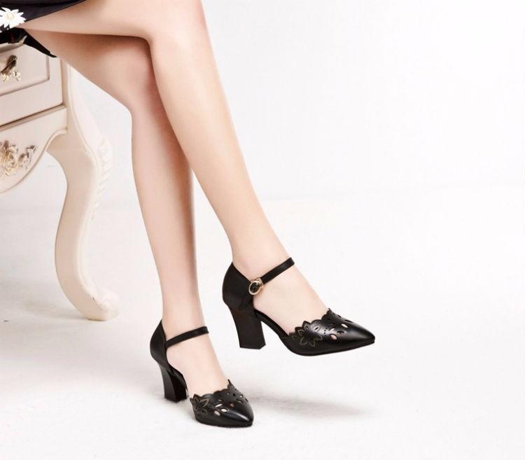 Giày gót vuông nữ laze hoa thời trang - ln365