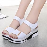 Giày sandal bánh mì cá tính S026T