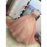 áo cưới hồng da đuôi dài 3m