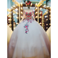 áo cuoi trắng tay dai tung ren hoa