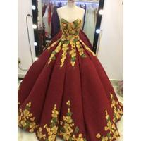 áo cưới đỏ đô ren hoa tùng múi sang trong