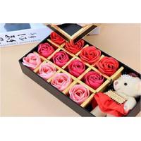 Hộp quà hoa hồng sáp kèm gấu bông có hương thơm