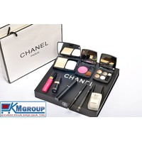 Hộp mỹ phẩm Chanel 9 món TQ1452