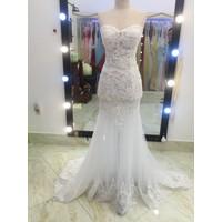 áo cưới trắng đuôi ca