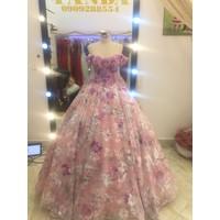 áo cưới tung ren hoa đuôi dai