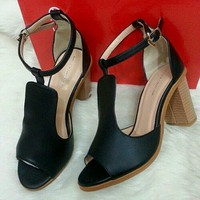 giày gót vuông vân gỗ hàng  nhập