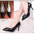 Giày cao gót đính tab như hình dv177
