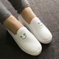 Giày slip on mặt cười màu trắng VV08
