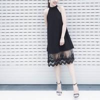 Đầm yếm chân ren