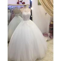 áo cưới yếm trắng cúp ngang giá mềm