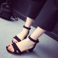 Giày sandal đế vuông 5 phân quai ngang cut out
