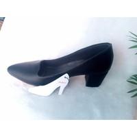 Giày đế vuông kín mũi cao cấp