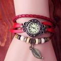 đồng hồ lắc tay hình lá DH01