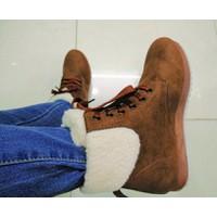 Giày boot bánh mì cột dây cổ lông màu nâu, đen