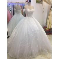 áo cưới trắng tay ngang đuôi dài 1m