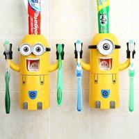 Dụng cụ để bàn chải kiêm lấy kem đánh răng minion dễ thương