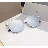 Mắt kính Dior mèo