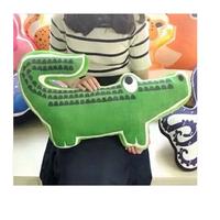 Gối ôm cá sấu