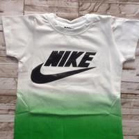 áo thun  bé trai in loang màu xanh lá - at054 [8-24kg]