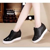 Giày bata đế độn cột dây màu đen