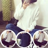 Áo thun nữ form rộng tay dài trơn trắng