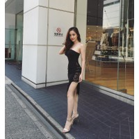 Hàng Thái: Đầm body cup ngực xẻ tà