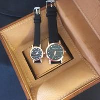 Đồng hồ đôi trẻ trung