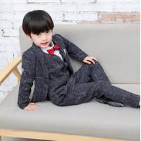 Bộ vest cho bé trai gồm áo khoác + ghi lê và quần -giá 840k-V7180