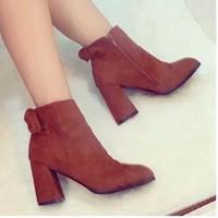 giày bốt gót vuông nơ