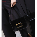 Túi đeo chéo nữ