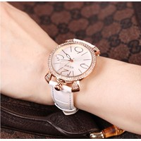 Đồng hồ nữ dây da đính đá màu trắng