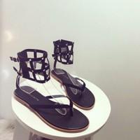 giày sandal xỏ ngón quàng cổ chân