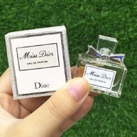 Nước hoa nữ DIOR Miss Dior Eau De Parfum 5ml