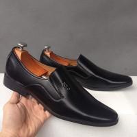 Giày tây nam công sở kiểu trơn đen