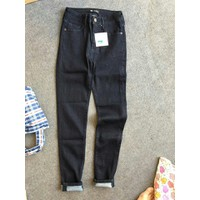 Quần jean dài skinny