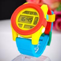 Đồng hồ trẻ em dây da GE115