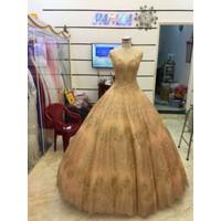 áo cưới tùng kim tuyến hồng nude hàng co sẵn