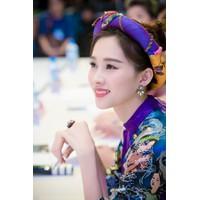 Hoa tai Thu Thảo kiều diễm