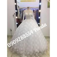 áo cưới trắng hở lưng tay dài ren tùng hoa văn