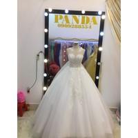 áo cưới đuôi dai 1m chụp hình rất đẹp hoạc làm lễ cưới
