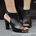 Giày cao gót vuông hở mũi kiểu boot quai đinh màu đen-GX411