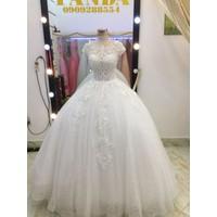 áo cưới tay con phale ren hoa văn đặc sắc