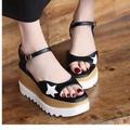 giày đế xuồng ngôi sao