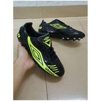 giày đá bóng UMBRO-VN