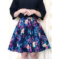 Chân váy hoa cực xinh